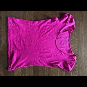 Lilly Pulitzer Magenta T shirt